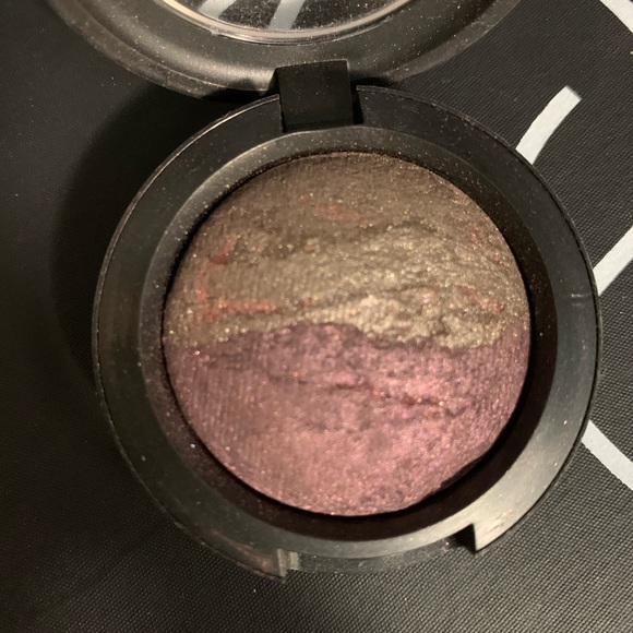 2/$30 MAC mineralize eyeshadow earthly riches